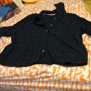 Green and purple women's plaid shirt. Size: 1X.